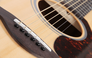 yamaha fg 700 review best guitar for beginners